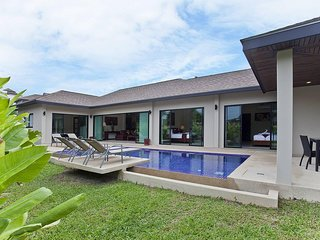 Tub Tim Villa | Classy 3 Bed Pool House in Nai Harn Phuket