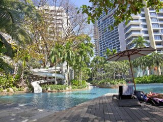 North Pattaya Apartment | 2 Bedroom Beachfront Condo in Naklua