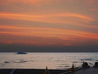 Villa Haven | 6 Bed Luxurious Beachfront Residence at Na Jomtien Pattaya