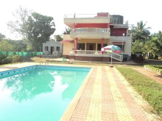 3 BHK bungalow in Alibaugh with Swimming pool