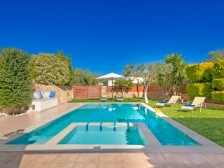 Superb Villa Georgia - Dream Holidays in Crete - Full Privacy-Pool&Jet Spa!