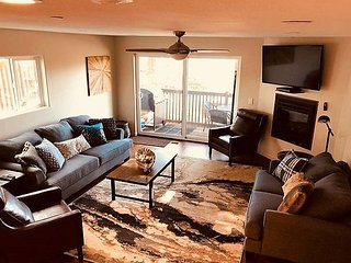The Sunset Condo, Lake Views, close to Heavenly (SL272-D) Orion Ln Unit D