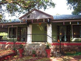 Bungalow near Mahabaleshwar market