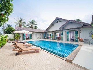 Villa Naiyang | 5 Bed Property with Private Pool Nai Yang in Phuket