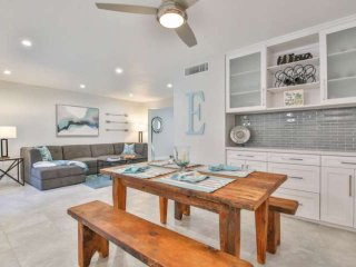 Fresh & Bright Remodel! Cool off in the huge pool! 1 Block from shopping & dinin