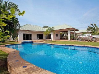 Baan Hua Na | 3 Bed Secluded Pool Villa with Garden in Hua Hin