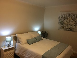 Carlisle Cottage - cozy & comfortable self-catering unit in quiet neighborhood.