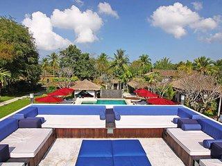 The Tamarind | Stunning 9 Bed Private Resort in Bangsaray Pattaya