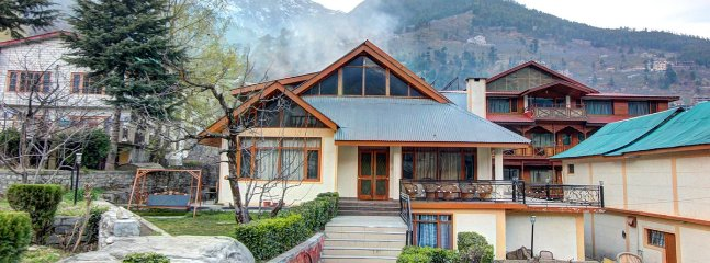 Super Deluxe Cottage stay - Himkund Cottages