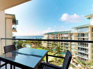 Airy and romantic oceanfront studio w/ ocean views, pools/hot tubs, & gym
