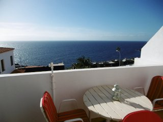 Apartment with amazing sea views for 3 persons