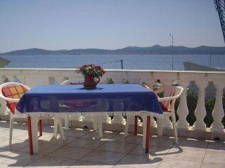 Anthony - 50m from the beach & parking: A4(2+1) - Zadar