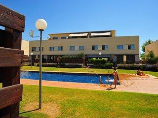 Chalet con terraza y piscina para 8 personas a 7 km de la playa de Cambrils