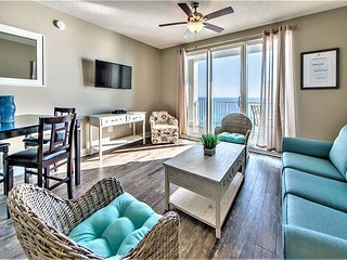 20% OFF DEC: Beautiful GULF VIEW Newly Renovated Beach Condo w/ Heated Pool!