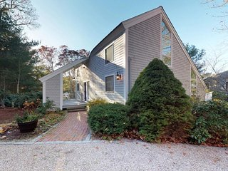Family summer home w/ expansive deck & wonderful location for beach-goers!
