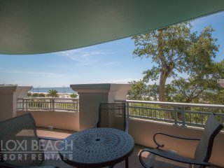Legacy ! Condo w/ Private Balcony with Gulf Views and Access to 3 Resort Pools
