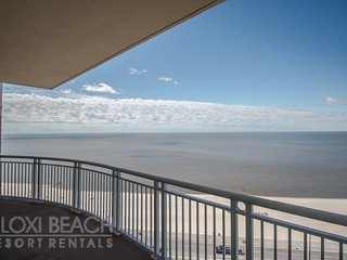 Beach Views Condo w/ Balcony, WiFi, Resort Pool & Gym Access