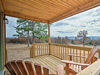 NEW! Talihina Studio Cabin on 36 Acres w/Mtn Views