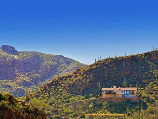 NEW! 3BR Tucson Home w/Hot Tub & Incredible Views!