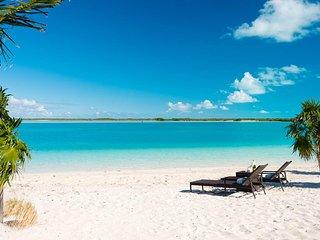 Beachfront Villa Aquazure