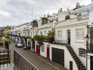 Holland Park Mews II