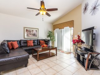 Lovely 4BR 3Bth Aviana Resort Home with Private Pool, Spa and Gameroom