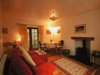 GALABANK COTTAGE, wood burning stove, views, parking,Scottish Borders, Ref 97239