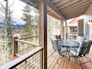 3BR w/ Mountain Views, Huge Deck & Private Hot Tub – 10 Mins to Winter Park