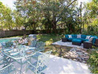 New Listing - Riverwalk Historic Home, w/ Modern Amenities and Superb Pool