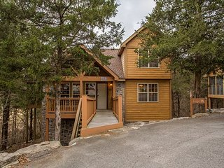 Mayberry Lodge-2 bedroom, 2 bath pet friendly lodge at StoneBridge Resort