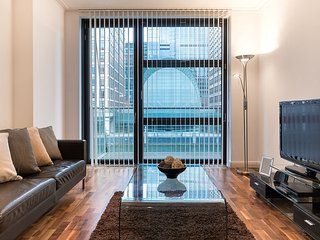 Luxury MoLi Dockland 1 Bedroom Apt in Canary Wharf