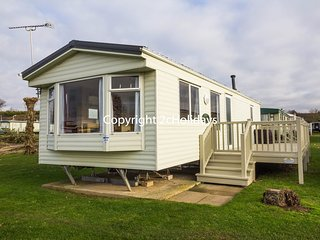 23029a Tudor area, 2 Bed, 6 Berth