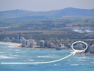 Nice flat in front of the beach in Cape Town & Winelands area