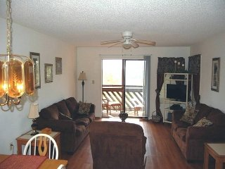F-09 Heron Pointe (2 Bdrm/2 Bath) 2nd Floor-Elevator