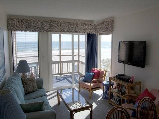 Pelicans Watch 105 (3 Bdrm/2 & 1/2 Bath) Oceanfront