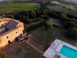 Apartment n°7,tuscany landscape, tasting wine and swimming in a big pool!