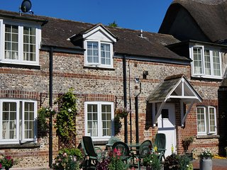 The Old Georgian Stables holiday cottage, picturesque rural Dorset, sleeping 7