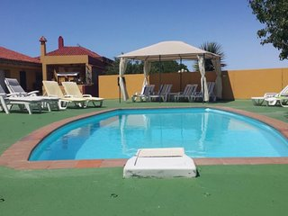Finca FAMILIAR Y PRIVADA con 2 casas independientes y Zona de Celebraciones.