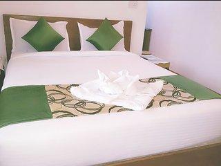 Room #209 Stay Near Vagator Beach