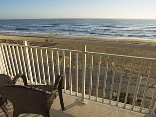 Beautiful Oceanfront Balcony at the Ocean Sands