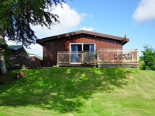BEECH LODGE, wi-fi, private parking, views. Ref: 972691