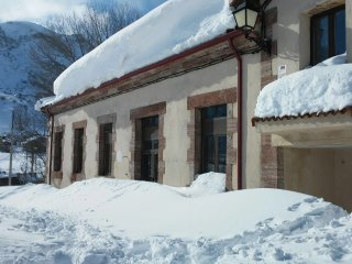 Casas con encanto entre montanas de Leon