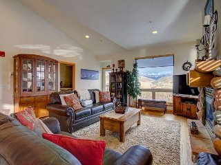 Large home with amazing views, central location, and outdoor hot tubs