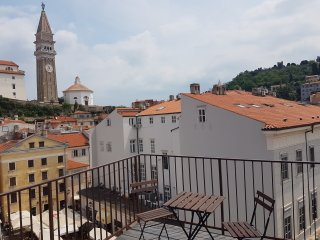 Piran Old Town - House With Terrace - Near Sea
