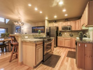 Fully equipped and spacious kitchen with new appliances