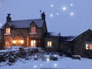 Bleak House, Peak District. 10% Discount on 3 night stays - Sleeps 4,