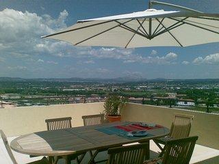 VILLA SUR LE TOIT 74 m2 H avec 62m2 de terrassa vue PANORAMA