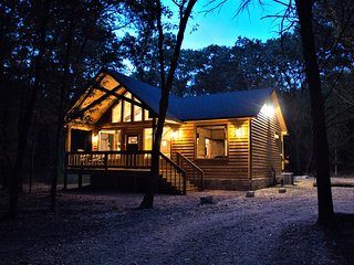 Rustic Charm - Brand New Luxury Log Cabin