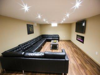 Brand NEW 8 BR house, hot tub, sauna, very modern, 5000 SQF