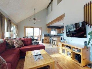 Comfortable, dog-friendly home w/ deck & mountain views - near lake & slopes